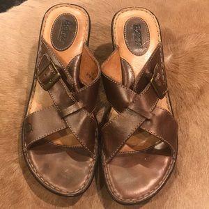 Born Slip on Wedge w/ Buckle Detail Size 10